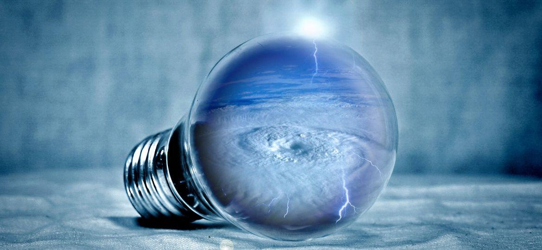 light-bulb-2577393_1920
